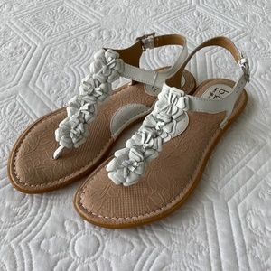 B.O.C. White Leather Floral Thong Sandals
